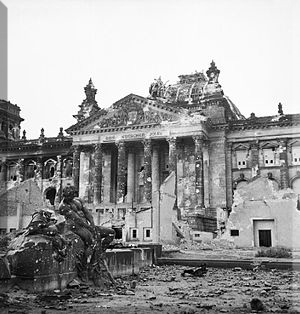 300px-Reichstag_after_the_allied_bombing_of_Berlin.jpg